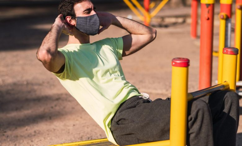 Un deportista entrenándose con mascarilla, / Foto: Comunidad de Madrid